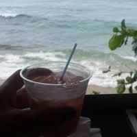 Foto tomada en Kai Beach Bar &  Restaurant por Vane el 7/6/2014