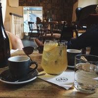 5/22/2016 tarihinde Andrey Š.ziyaretçi tarafından Leroy Bar & Café'de çekilen fotoğraf