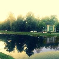 6/5/2013 tarihinde Алексей С.ziyaretçi tarafından Екатерининский парк'de çekilen fotoğraf