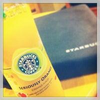 Photo taken at Starbucks by •VïčTørĮÃ Ł. on 1/19/2013