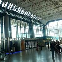 """Foto diambil di Aeroporto Roma Fiumicino """"Leonardo da Vinci"""" (FCO) oleh Alessio C. pada 8/7/2013"""