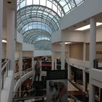 Photo taken at Shopping Crystal by Roberto R. on 5/16/2013