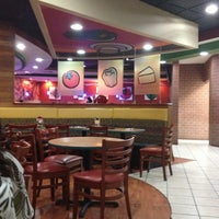 Photo taken at Pizza Hut by Neyo S. on 4/17/2013