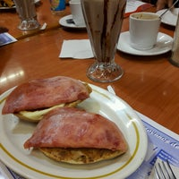Photo taken at Cafe Pacífico by Efren H. on 10/3/2016