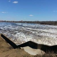 Снимок сделан в Плотина Иваньковской ГЭС пользователем Andrew L. 5/2/2013
