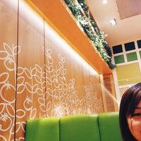 Photo taken at MOS Burger by Rhenalyn Kaye L. on 2/19/2015