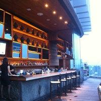 Foto scattata a Octave Rooftop Lounge & Bar da Nam T. il 9/10/2013