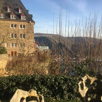 Photo taken at Schloss Rheinfels by Verena K. on 12/25/2016