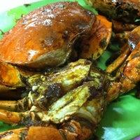 """Photo taken at Santiga Seafood """"Abeng"""" Benhil by yonni h. on 11/15/2012"""