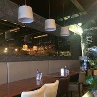 Foto tirada no(a) Brasserie Plancius por AYTEKİN K. em 6/8/2016