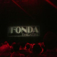 Foto tirada no(a) The Fonda Theatre por Eric F. em 7/18/2013