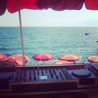 Foto tirada no(a) Blm Beach por Derya E. em 8/24/2014