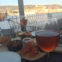 Photo taken at İstanbul Charcuterie & Tapas Bar Bodrum by Derya G. on 8/11/2015