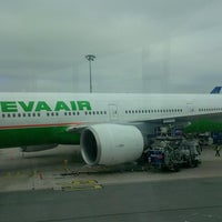 Photo taken at BR88 CDG-TPE / EVA Airways by Seb L. on 5/4/2013