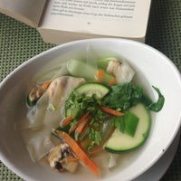 Снимок сделан в Bao Vietnamese Cooking пользователем Uta V. 8/22/2013