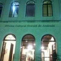 Foto tirada no(a) Oficina Cultural Oswald de Andrade por Zeca R. em 5/10/2013