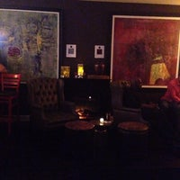 8/3/2014 tarihinde Heather F.ziyaretçi tarafından The Bureau Bar'de çekilen fotoğraf