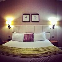 Photo taken at Mercure Nottingham City Centre Hotel by Nino L. on 10/14/2014