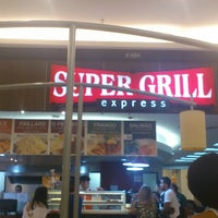 Foto tirada no(a) Super Grill Express por Moacyr C. em 4/6/2013