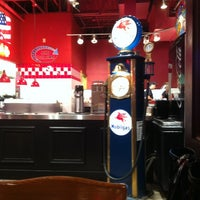 Photo taken at Fuddruckers by David R. on 7/26/2013