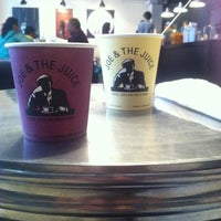 Photo taken at Joe & The Juice by Guto M. on 5/7/2013