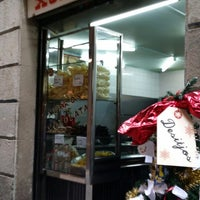 Photo taken at Xurrería Manuel San Román by 영희 박. on 12/24/2013