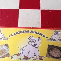 Photo taken at Carnitas Juanito by Rikrdo Cacciatore V. on 6/15/2013