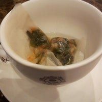 Photo taken at The Coffee Bean & Tea Leaf | 香啡缤 by Bud K. on 4/9/2013