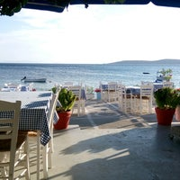Photo taken at Ακρογιάλι by Gizem Y. on 8/26/2016