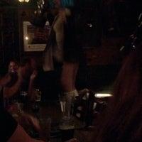 Das Foto wurde bei Blarney Stone Pub von Tyler L. am 6/1/2014 aufgenommen