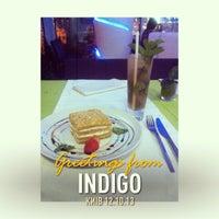 Снимок сделан в Indigo пользователем Lia N. 10/12/2013