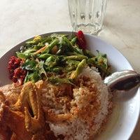 Photo taken at Restoran Murni by Ariana A. on 9/16/2013