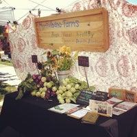 Photo prise au Logan Square Farmers Market par Genie le7/14/2013