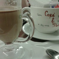 Photo taken at Café & Poesia - MAC by Ana P. on 4/29/2013