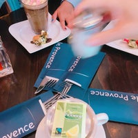 Foto scattata a Lunch-Café Le Provence da DK R. il 7/5/2017