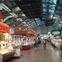 Foto tirada no(a) St. Lawrence Market (South Building) por Igor S. em 9/5/2013
