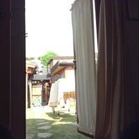 Photo taken at 첼로네 by SAYA L. on 5/13/2013