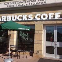 Foto tomada en Starbucks por Leah B. el 11/14/2013