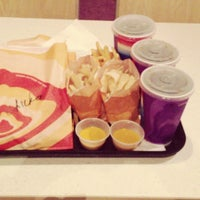 Photo taken at Taco Bell by Reem M. on 5/17/2013