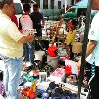 Das Foto wurde bei Pasar Karat von Hayyan U. am 8/21/2015 aufgenommen
