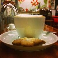 Das Foto wurde bei Deli Café Maya von Markus Y. am 12/30/2013 aufgenommen