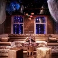 7/13/2013 tarihinde Recep M.ziyaretçi tarafından Al Fakheer Shisha Lounge'de çekilen fotoğraf