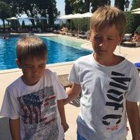 Photo taken at Villa Cortine Palace Hotel by Alex V. on 7/28/2015