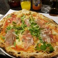 Foto tomada en NAP: Neapolitan Authentic Pizza por Heather O. el 1/4/2018