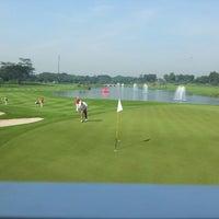 5/2/2013 tarihinde Darmawan P.ziyaretçi tarafından Royale Jakarta Golf Club'de çekilen fotoğraf