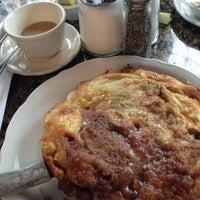 รูปภาพถ่ายที่ Richard Walker's Pancake House San Diego โดย Sean K. เมื่อ 4/6/2013