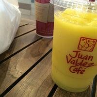 Foto tomada en Juan Valdez Café por Jorge S. el 3/22/2014