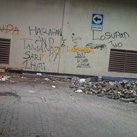 Photo taken at Hari Hari Pasar Swalayan by Vizar T. on 4/4/2013