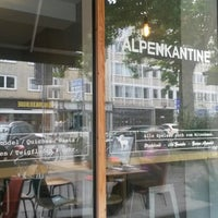 Photo prise au Alpenkantine par Dea le8/10/2014
