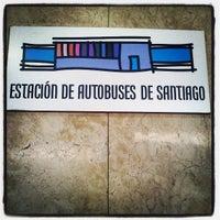 Foto tomada en Estación de Autobuses de Santiago por John M. el 7/7/2013
